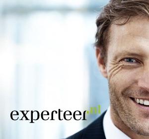 <span>Experteer</span><i>→</i>