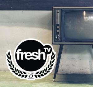 <span>FreshTV</span><i>→</i>
